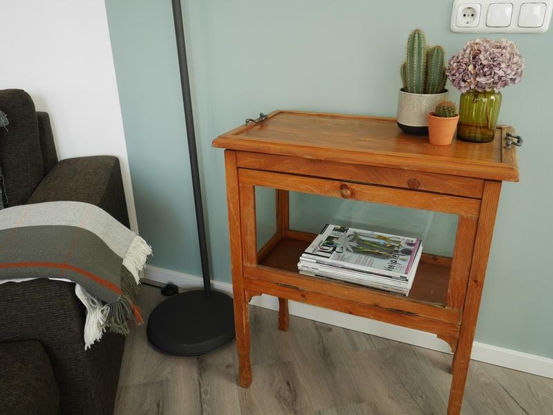 Vintage meubels en woonaccessoires for Tweedehands meubels webshop